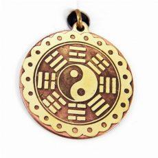 35; A 8 trigram gyűrűjében lévő Jin- Jang