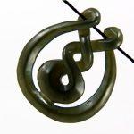 "Nefrit jade  Maori amulett ""Eternity Twist"""