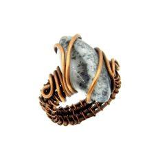 Merlinit gyűrű, antikolt rézdrót foglalatban