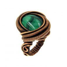 Malachit gyűrű, antikolt rézdrót foglalatban