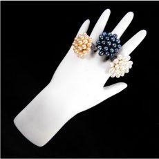 Tenyésztett gyöngy virág gyűrű