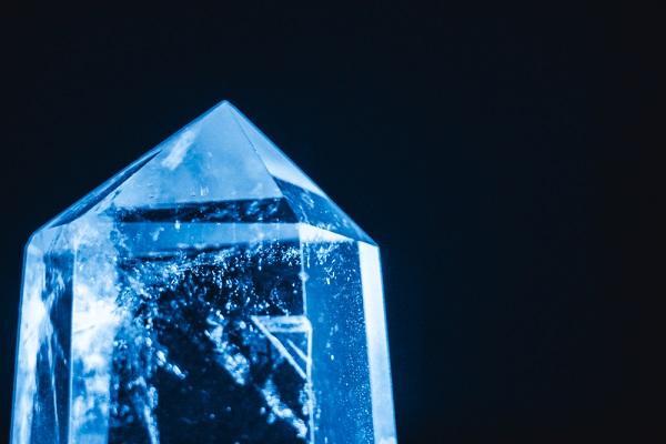 Hisz a kristályok mágikus erejében? Erősítse velük az életterületét!